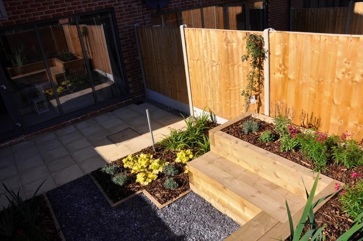 new build gardens in sun
