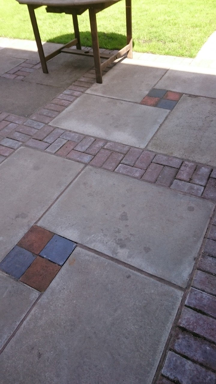 Communal garden paving