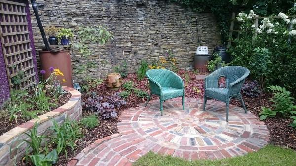 urban garden seating
