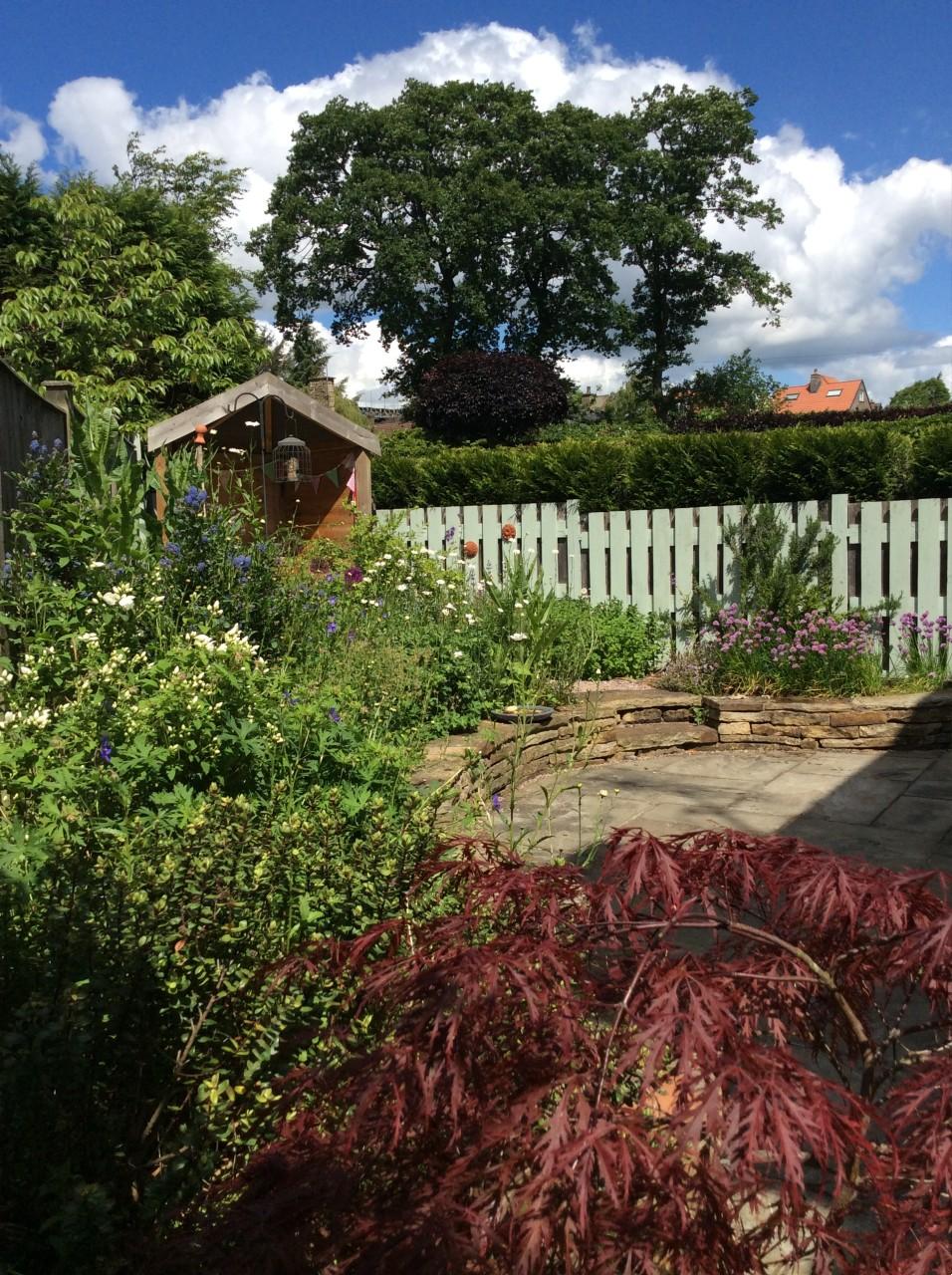 Triangular garden